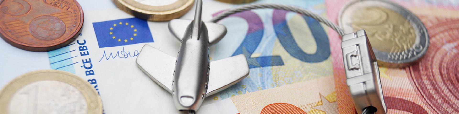 Reisezahlungsmittel: In der Reisekasse sollte ein bißchen Bargeld (z.B. US-Dollar) nicht fehlen.